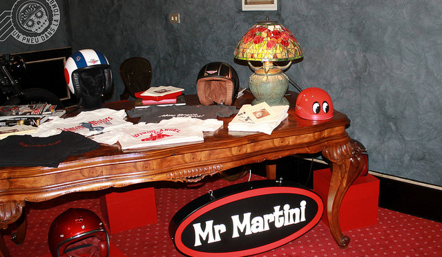 Le bureau de Mr Martini, au milieu de son showroom.