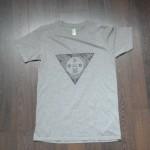 """Nouveau t-shirt UPDLT : """"Poëtova"""" by Dit Cheyenne."""