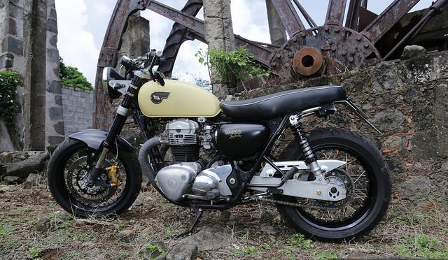 "La Kawasaki W650 ""upgradée"" de JChristian."