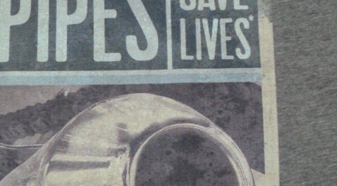 "Nouveau t-shirt UPDLT : ""Loud pipes save lives"" by Susokary."