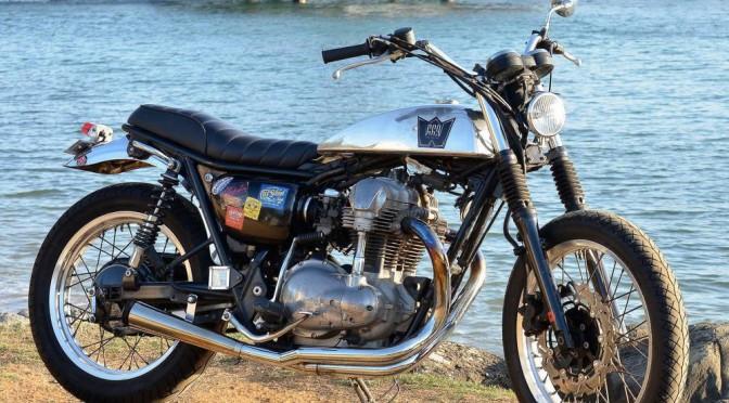 La Kawasaki W650 de Yves.