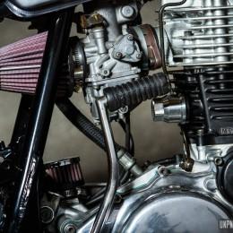 Attention les yeux ! Voilà la Yamaha SR 500 street-tracker de Thomas...