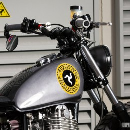 Attention les yeux ! Voilà la Yamaha SR 500 street-tracker de Thomas...