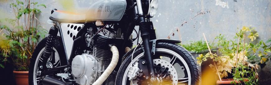 La Yamaha XS 400 de Kruz Company... Fume, c'est du belge !