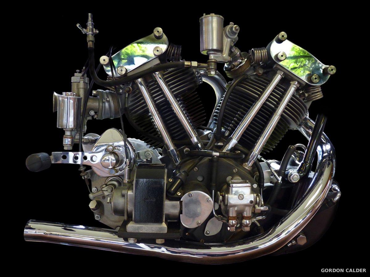 les plus beaux moteurs de motos d shabill s par gordon calder. Black Bedroom Furniture Sets. Home Design Ideas