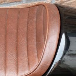 A vendre : une selle Flat Tracker XL - T100 de chez VonZeti...