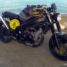 La Honda 750 VFR de Yoan...