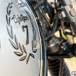 La Kawasaki 750 Zephyr cafe-racer de Mano, du travail de pro...