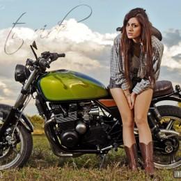 "Une Kawasaki 550 Zephyr façon ""bratstyle"", signée Oldies'n Classic Spirit..."
