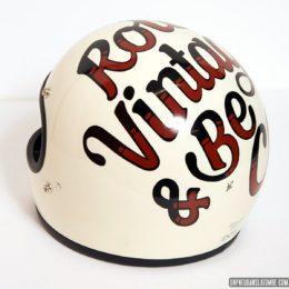 Lettering : Bruno Allard, ou l'art de personnaliser casques et réservoirs...