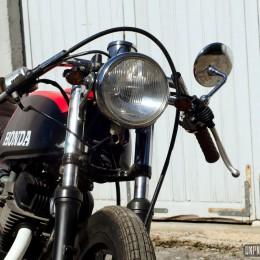 Une Honda CB 125 Twin cafe-racer, à la sauce Vini Garage Company...
