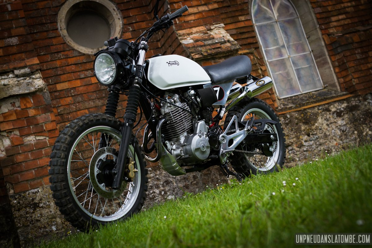 honda 650 slr scrambler la br le tout chemin de micka. Black Bedroom Furniture Sets. Home Design Ideas