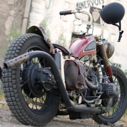 Dniepr 650 bobber : un side-car steampunk estampillé GSSS !