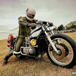 "Dragster + Goldwing = ""Dragwing"", un ovni signé Le Chevalier Noir..."