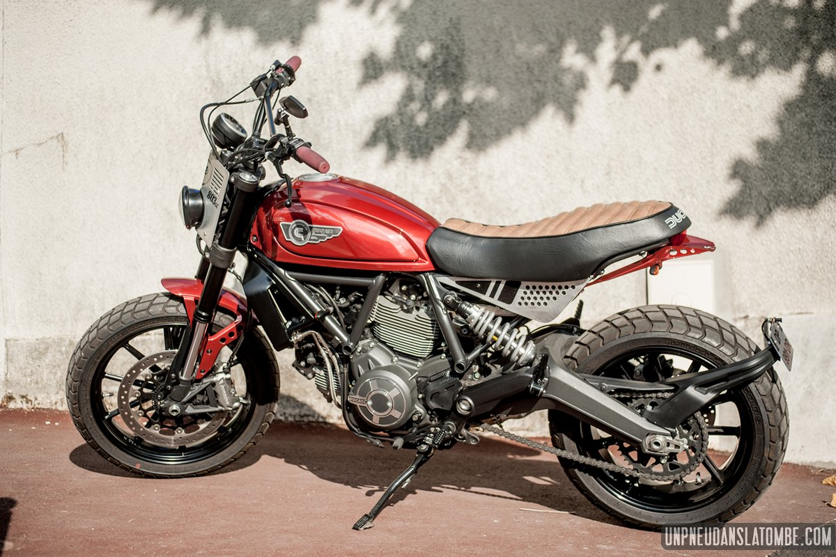 ducati scrambler the toy machine un lifting sign creativ garage. Black Bedroom Furniture Sets. Home Design Ideas