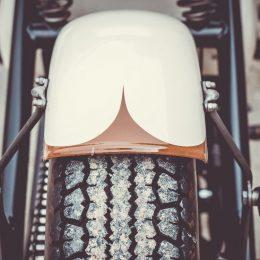 Un bobber sur base de GSX 1100 Suzuki ? Une folie signée Racer Factory !