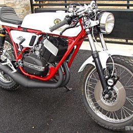 La Yamaha RD 350 cafe-racer de Pascal...