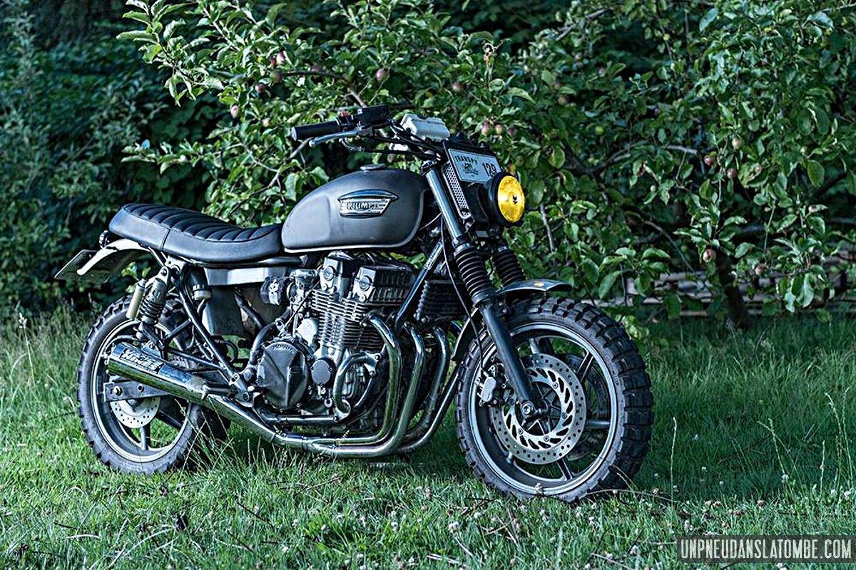 Une Honda CB 750 Seven Fifty scrambler, signée Lust Motorcycles...