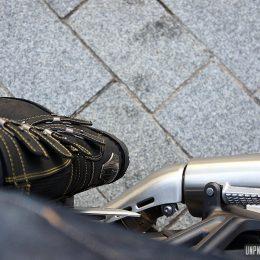 Icon 1000 Elsinore : les bottes moto rétros de la mort...