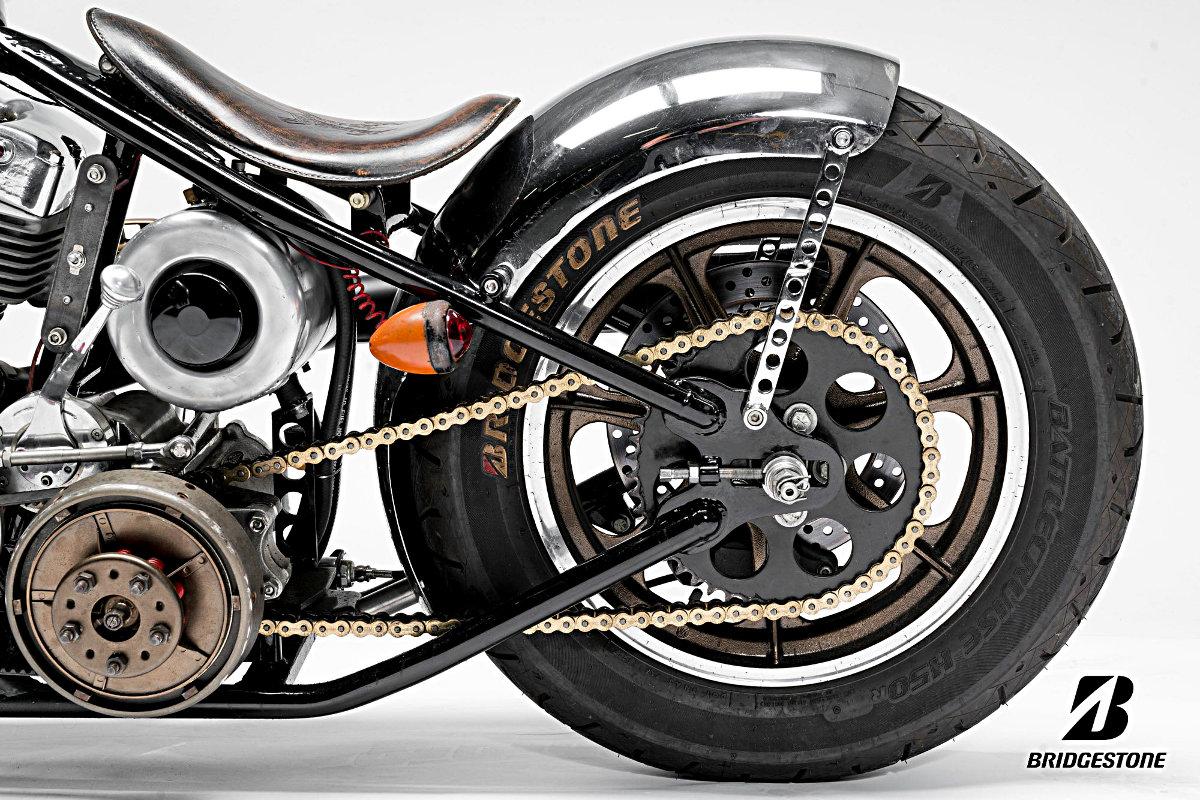 les trois meilleurs pneus moto bridgestone pour votre. Black Bedroom Furniture Sets. Home Design Ideas