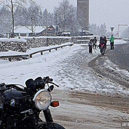 Virée en side-car sous la neige : 33 % de motricité, 100 % de sensations !