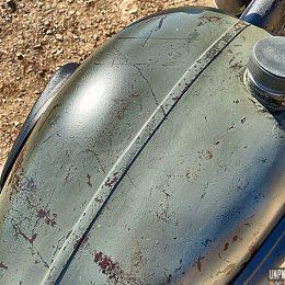 Une Chang-Jiang CJ750 bobber, estampillée Yaya Brush Sellerie...