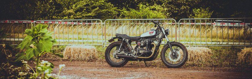 La Kawasaki W650 street-tracker de Eric...